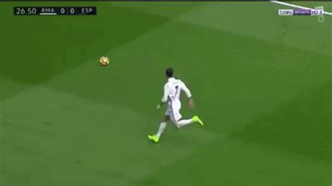 Cristiano Ronaldo destroys Espanyol opponent in what could ...