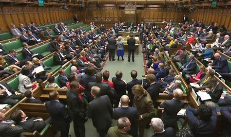 chambre des communes londres brexit le oui des députés britanniques à theresa may