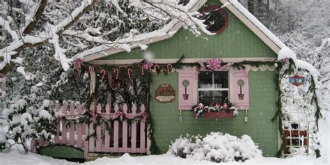 16 small space christmas decorating ideas tiny house