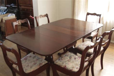 Vintage 1960s Duncan Phyfe Style Dining Table and 6 Chairs