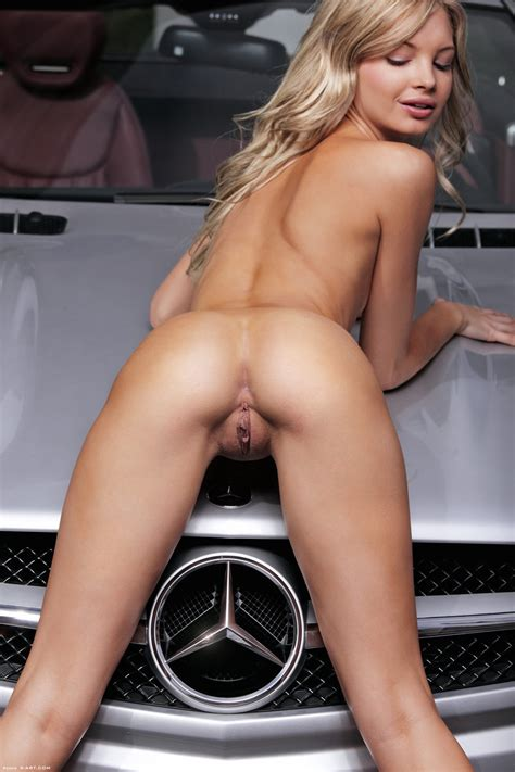 Franciska Facella Benz Over Angiev