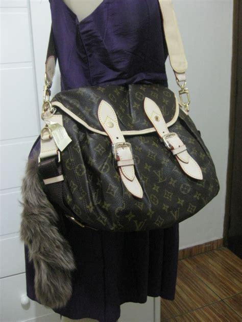 cherrys griffes roupas femininas bolsas importadas artigos de luxo  muito mais novidades