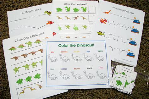 dinosaur theme preschool activities s helper letter d dinosaur preschool theme 570