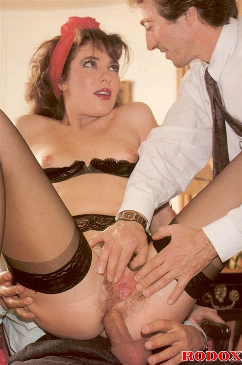 Very Hot Retro Double Penetration Of A Sexy Babe Pictures