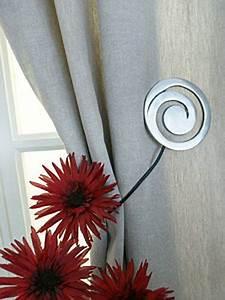 Embrasse Rideau Design : embrasse de rideau aimant e kalea argent black bedroom furniture sets home design ideas ~ Teatrodelosmanantiales.com Idées de Décoration
