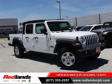 jeep gladiator sport   bright white clear coat exterior paint  sale  redlands
