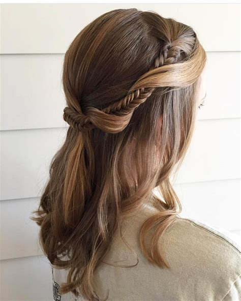 Simple Hairstyles by 21 Easy Updos Anyone Can Do Trending In 2019