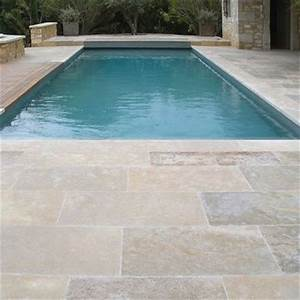 les 25 meilleures idees de la categorie carrelage piscine With plage de piscine en carrelage