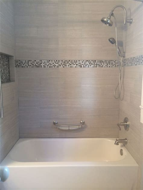 Bathroom Tub Tile Designs by Pictures Of Bathtub Enclosures With Granite Tiles