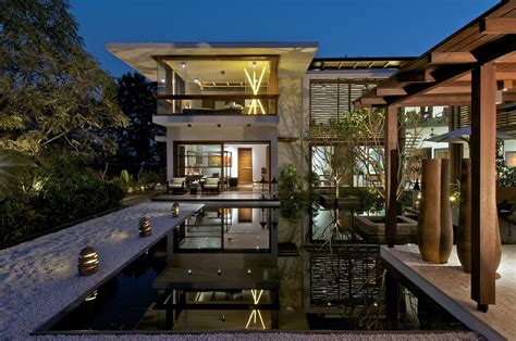 house with courtyard the courtyard house hiren patel architects archdaily