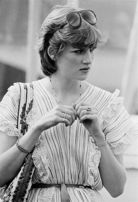 Viralitytoday  17 Rare Photos Of Princess Diana That Are