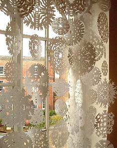 christmas window decorations with pictures and warmth With diy christmas curtains