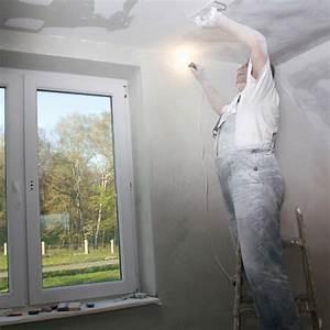 Comment Enduire Un Plafond : r nover un plafond comment s 39 y prendre marie claire ~ Mglfilm.com Idées de Décoration
