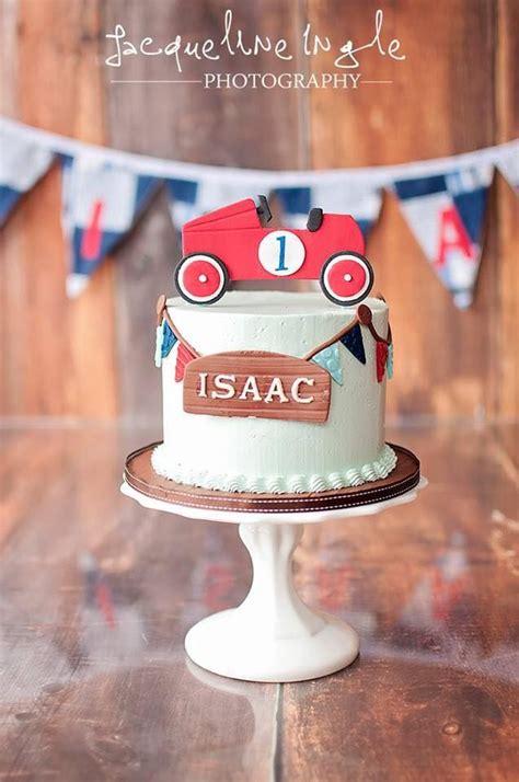 ideas  car cakes  pinterest racing car