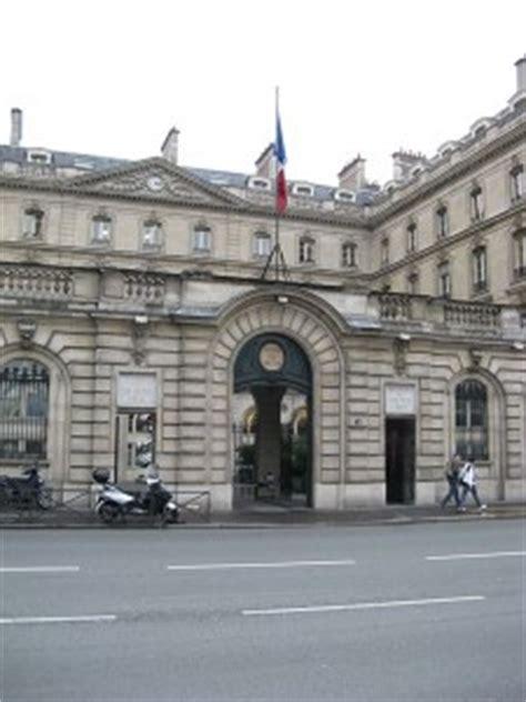 caisse des depots adresse siege comment gaspiller l épargne des français contrepoints