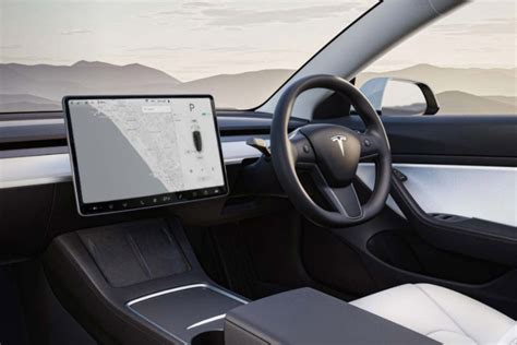 View Tesla 3 Trim Levels Pictures