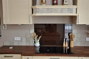 Kuchenwand fliesen frohler aus halfing for Küchenwand glasplatte
