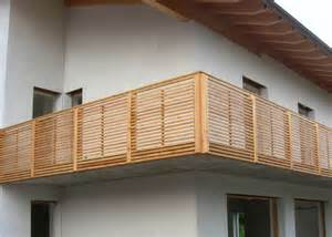 bad design holz holzbalkon holz balkongeländer leeb balkone