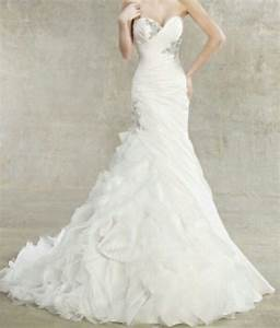 Today i am sharing with you my absolute dream wedding for Wedding dress with ruffles on bottom