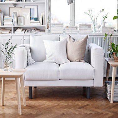petit canapé blanc petits canapés craquants pour studio et petit salon