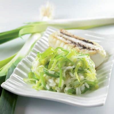 recettes de cuisine avec le vert du poireau que faire avec du poireau recettes aux poireaux