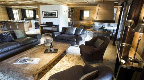 canapé et pouf esprit chalet contemporain à l 39 alpaga hôtel achatdesign