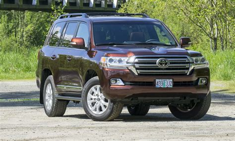 toyota land cruiser 2017 toyota land cruiser review autonxt