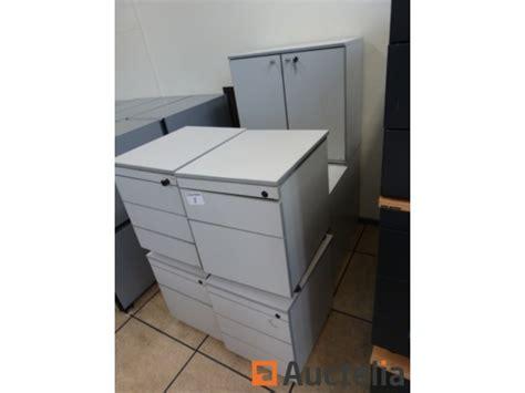 blocs tiroirs bureau 4 blocs tiroirs de bureau sur roulettes 3 armoires portes
