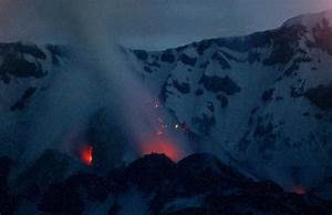 Photos: 35 years after Mount St. Helens' deadly eruption ...