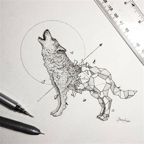 chambre style indien intricate drawings of animals fused with geometric