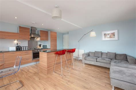 Appartments Glasgow by Apartments In Glasgow Ingram Apartments Two Bedroom
