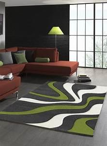 tapis diamond vagues vert de la collection unamourdetapis With tapis de sol avec canapé largeur 150 cm