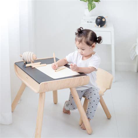 Tisch Und Stuhl Kinder by Kinder Tisch Stuhl Schwarz Plan Toys Kaufen Bei