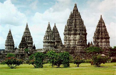 prambanan temple ramayana ballet yogyakarta indonesia
