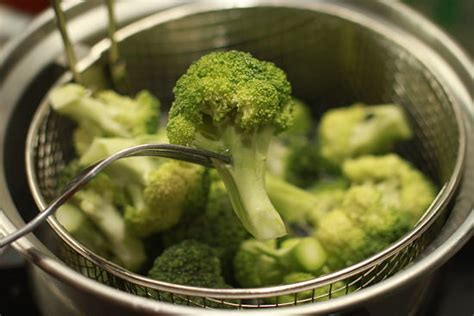 how to steam broccoli why steaming your broccoli is faster than roasting it fooducate