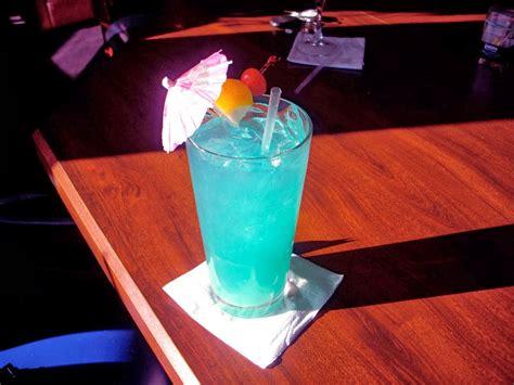 Cocktail Blue Lagoon — Rezepte Suchen