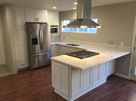 white shaker kitchen cabinets with quartz countertops kitchen white shaker cabinets quartz countertop in los White Shaker Kitchen Cabinets With Quartz Countertops