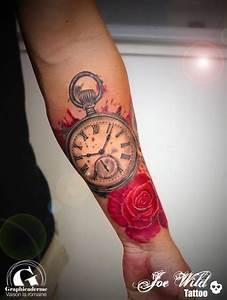 Tatouage Montre A Gousset Avant Bras : tattoo rose et montre gousset sign joe wild graphicaderme ~ Carolinahurricanesstore.com Idées de Décoration