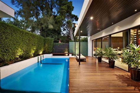 denah rumah  kolam renang kecil
