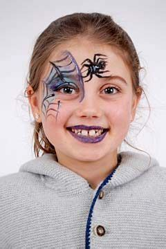 hexe schminken anleitung hexe schminken in 3 einfachen schritten wir zeigen wie s geht kinderschminken hexe hexe