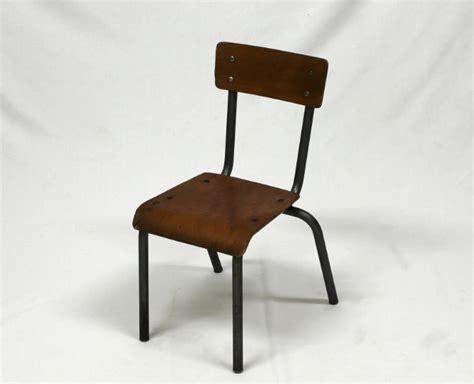 chaise d ecole chaise d 39 école enfant vintage mullca le vintage dans la peau