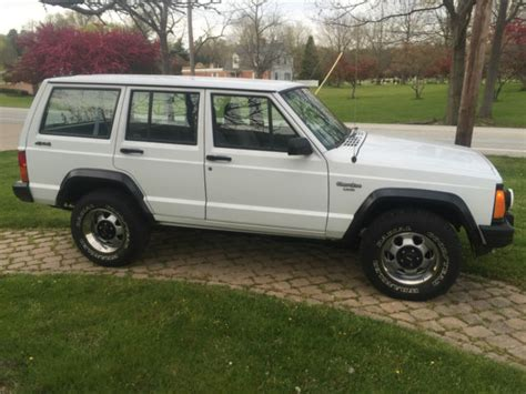 jeep police package 1993 jeep xj with rare ahd police pkg clean 89k fresh
