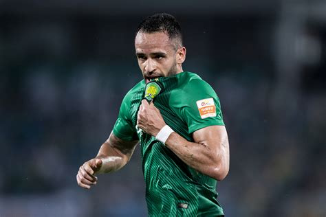 Copa América: Tite vai à China analisar Renato Augusto   VEJA