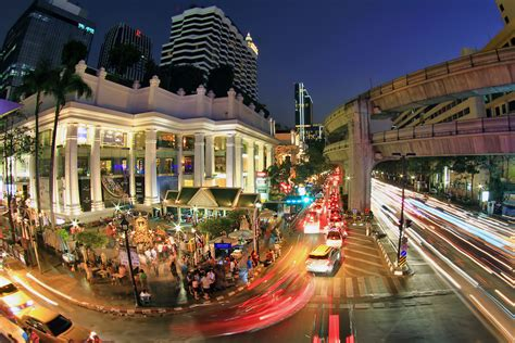 erawan bangkok luxury shopping mall  chidlom