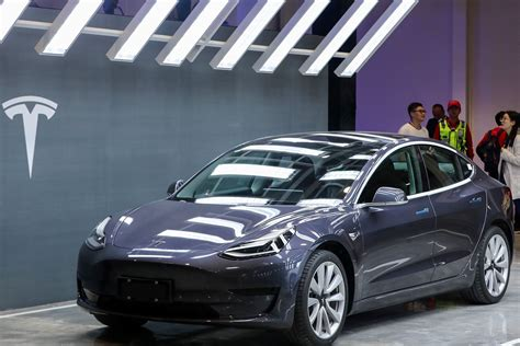 Woman Says Tesla Model 3 Saved Her Life After 'Head-On ...