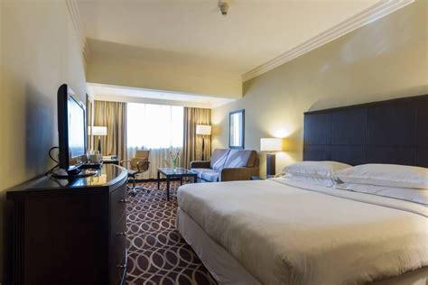 grand excelsior deira hotel dubai united arab emirates