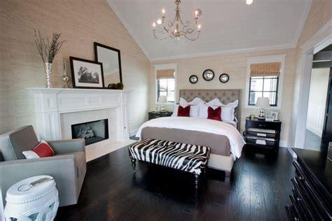 35 Master Bedrooms With Dark Wood Floors