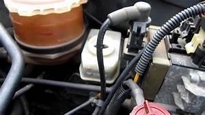 Comment Purger Des Freins : tuto 2 3 changer purger le liquide de frein how to change flush your brake fluid youtube ~ Medecine-chirurgie-esthetiques.com Avis de Voitures