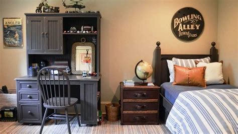 small room ideas for guys 51 elegant men s bedroom ideas and designs gallery gallery