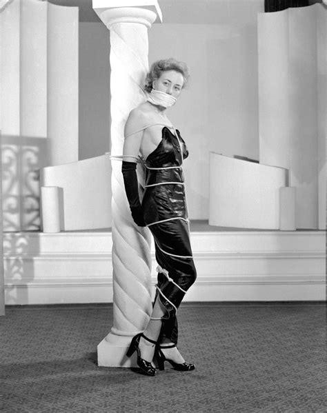 alternative bondage fashion    vintage everyday